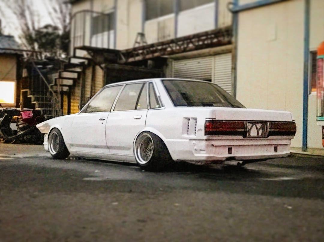 とりあえずテール装着 白でもいい気がしてきたな Gx71 Mark2sedan 千葉 ノンスリ 年末年始 楽しみすぎる Toyota Cressida Jdm Japanese Cars