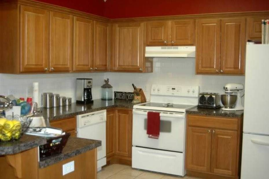 Oak Kitchen Cabinets With White Appliances And Granite Countertops Durable Cabin Cabinet Design Hickory