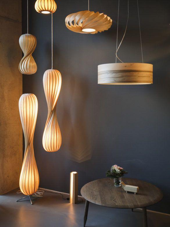 Holz Hygge Unser Showroom Mit Duft Von Zimtschnecken Kaffee Lampen Aus Holz Lampendesign Holzleuchte