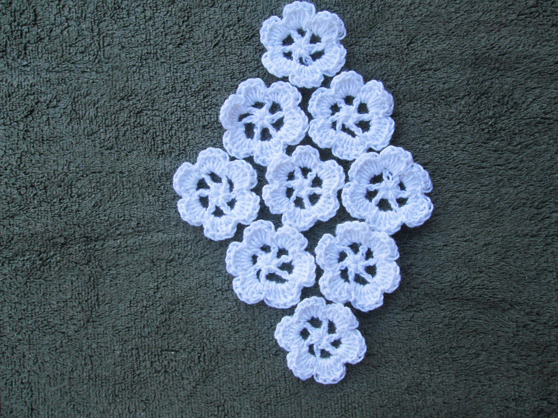 White flower applique by suzannesstitches white applique cotton