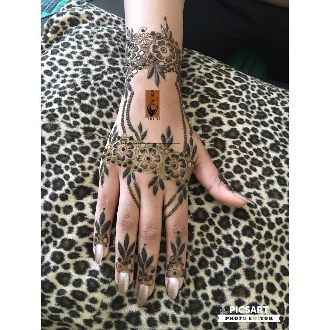 ٢٠١٧ ٨ ١ شهر جديد هب لنا خيره واكفنا شره يالله Arabic Henna Designs Mehndi Design Images Henna Designs