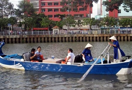 HCM City: Boat tour on Nhieu Loc-Thi Nghe Canal launched   The Department of Tourism together with the Department ofTransport of Ho Chi Minh City and the Saigon Boat JSC launched a boattour on the Nhieu Loc-Thi Nghe canal in the city yesterday.  #vietnamtravelnews #vntravelnews #vietnamnews  #traveltovietnam #vietnamtravel #vietnamtour