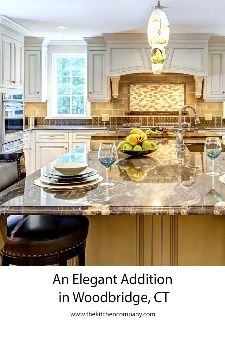 Ron Fisher An Experienced Design Professional At The Kitchen Company Designed This Gorgeous Kitchen For Traditional Kitchen Design Kitchen Gorgeous Kitchens