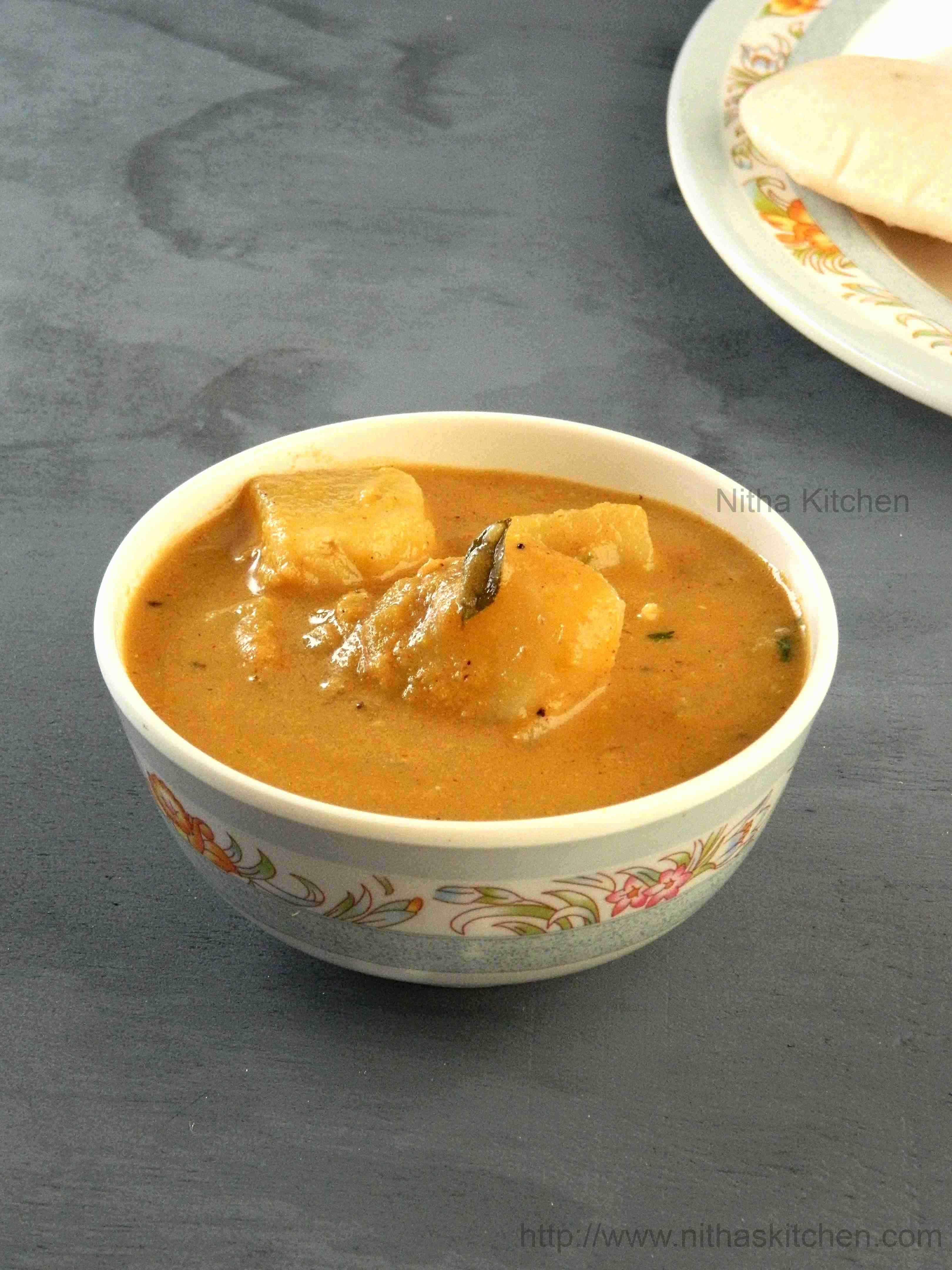 Potato Kurma  | Side Dish for Idlli/Dosa and Chapathi Varieties