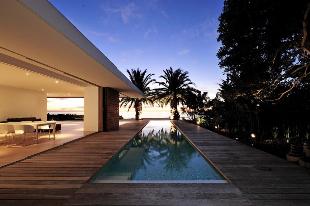 House in Camps Bay / Luis Mira Architects