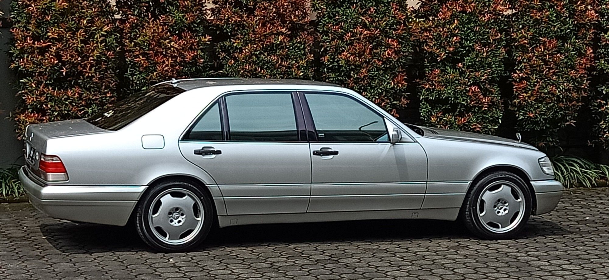 Beautifully Silver W140 Mercedes Benz Cars Mercedes Benz