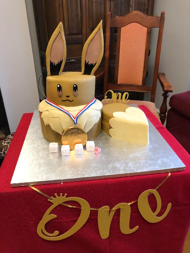 Eevee cake for an Evie birthday pokemon in 2020 (With