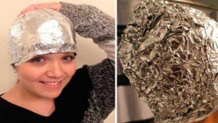 Bu Kız Saçını Yıkadıktan Sonra Alüminyum Folyo İle Kapladı. Sonuçlarına İnanamayacaksınız!