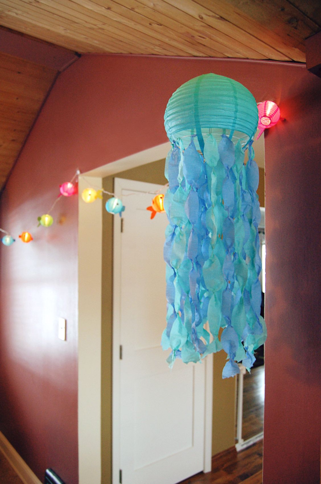 Paper Lantern Jelly Fish   Tie Crape Streamer On The Wire, And Pinch And  Twist Roll For 3 Jelly Fish