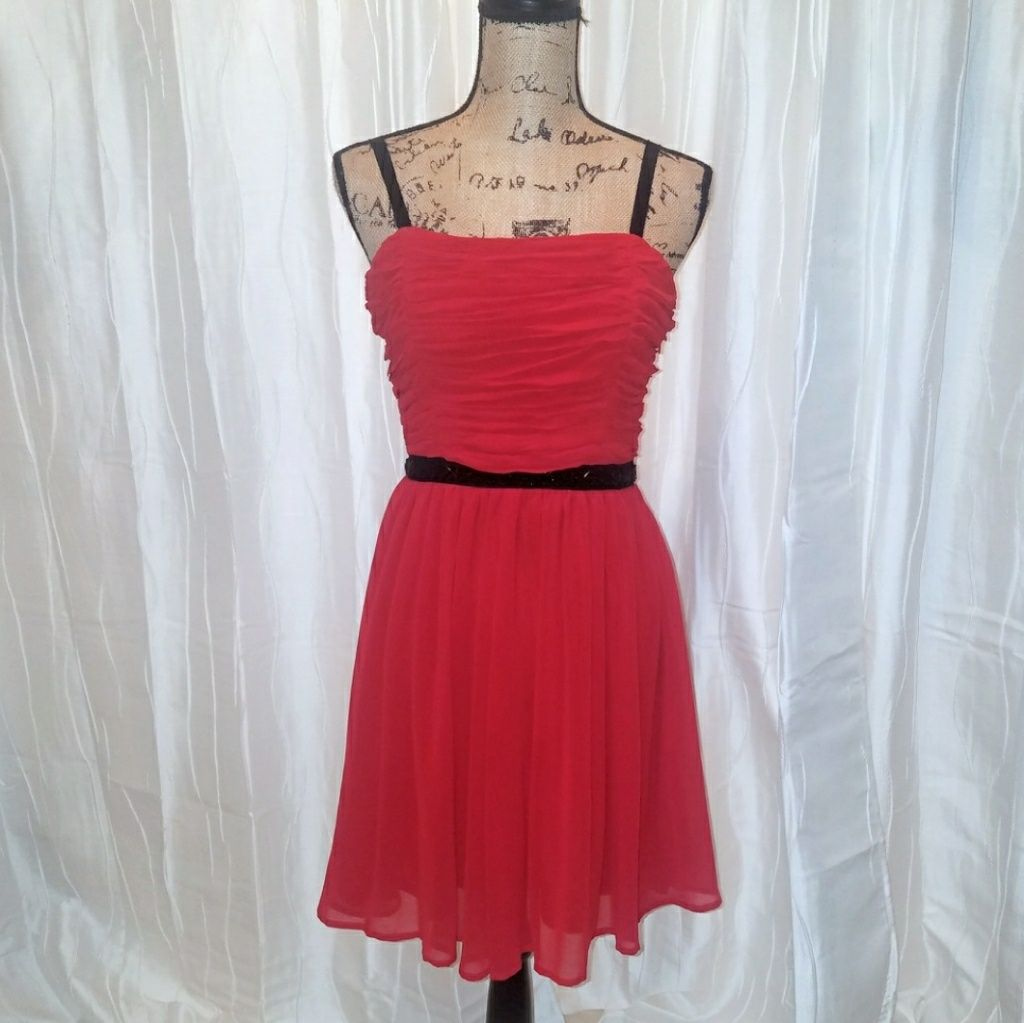Red dress wbeaded black belt products