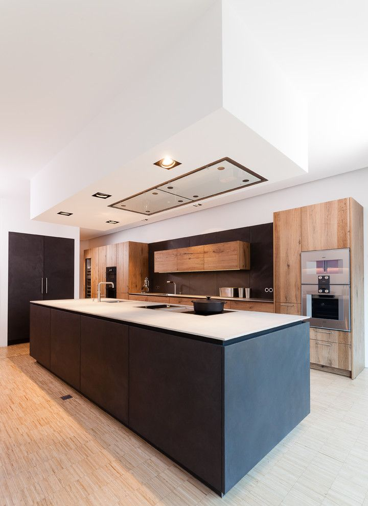 Great choice of Gaggenau oven for the minimalist look! Kitchen