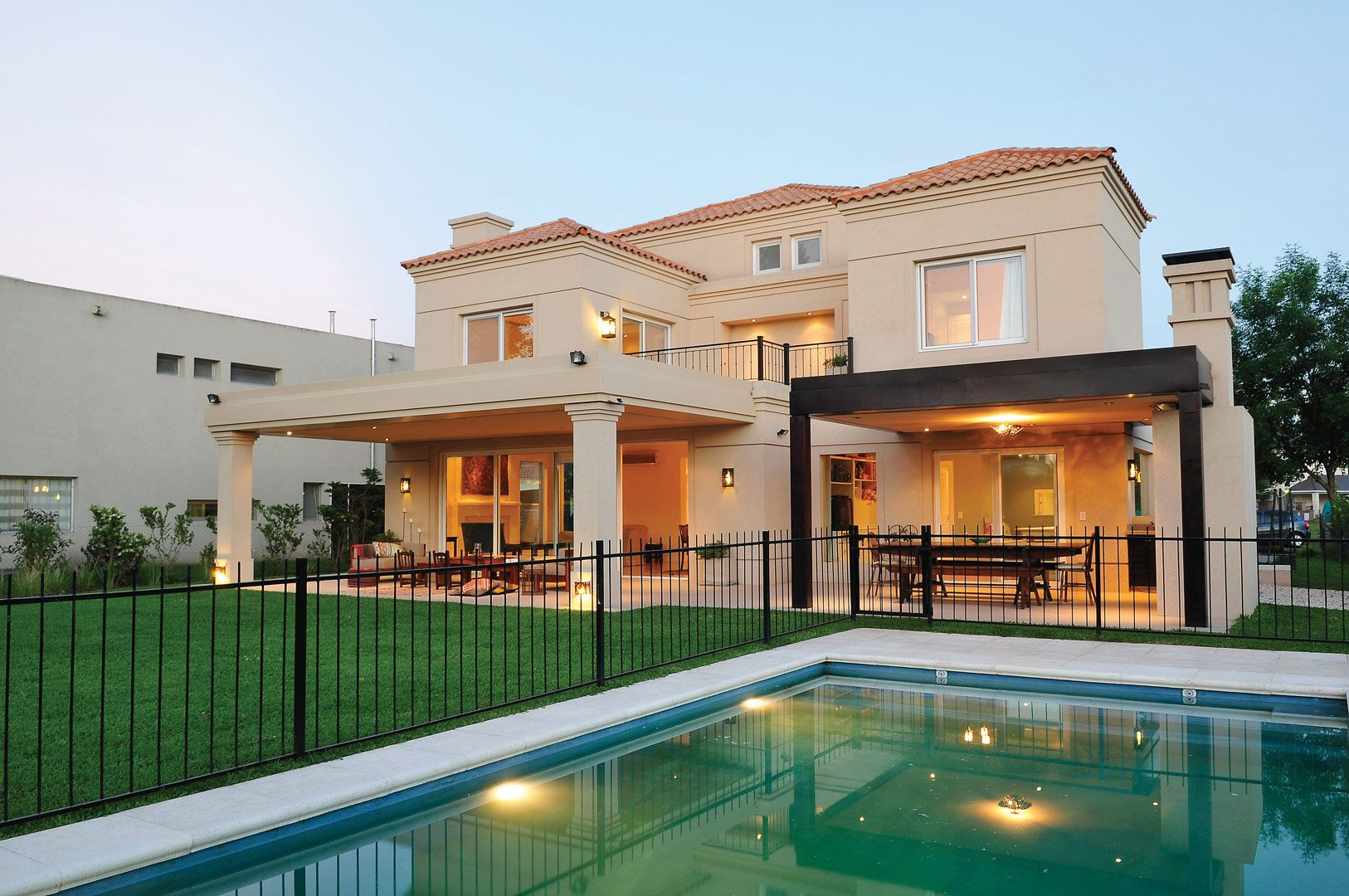 Junor arquitectos favoritos casas casas modernas y for Fachadas de casas estilo clasico