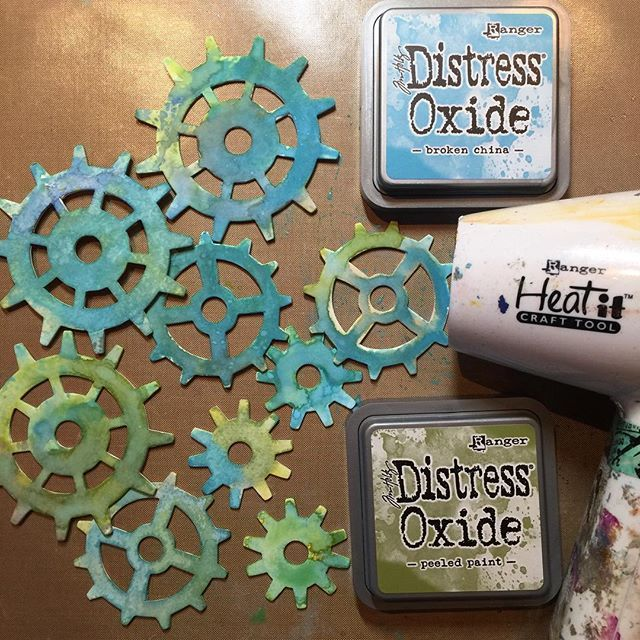 Getting started on a new project today with lots of gears. Not sure where I'm going with it yet but loving the creative time and experimenting with @tim_holtz Distress oxide inks #createdaily #createeveryday #distressoxide #artwip #gears #marjiekemper