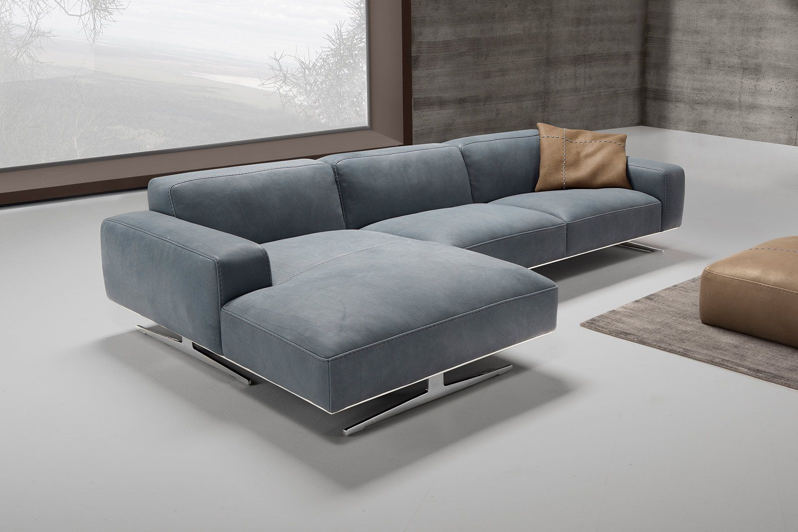 Biondi divano con penisola realizzato interamente in for Divano in pelle con penisola