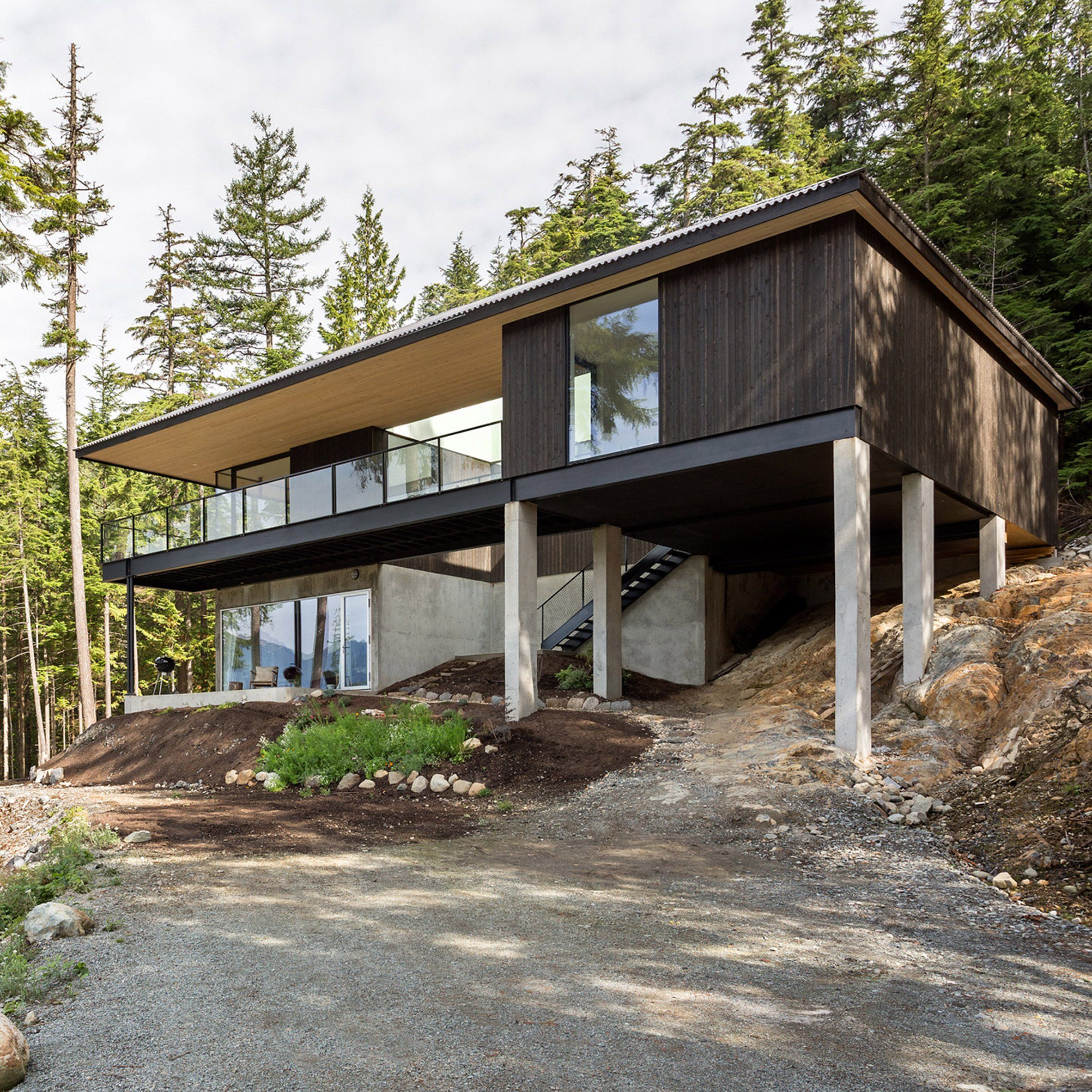 Hunter Office Architecture Has Built A Stilted House With