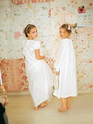 Burda style schnittmuster f r kinder kleider aus bestickter organza mit feinem seidentaft - Festliche kleider kommunion ...