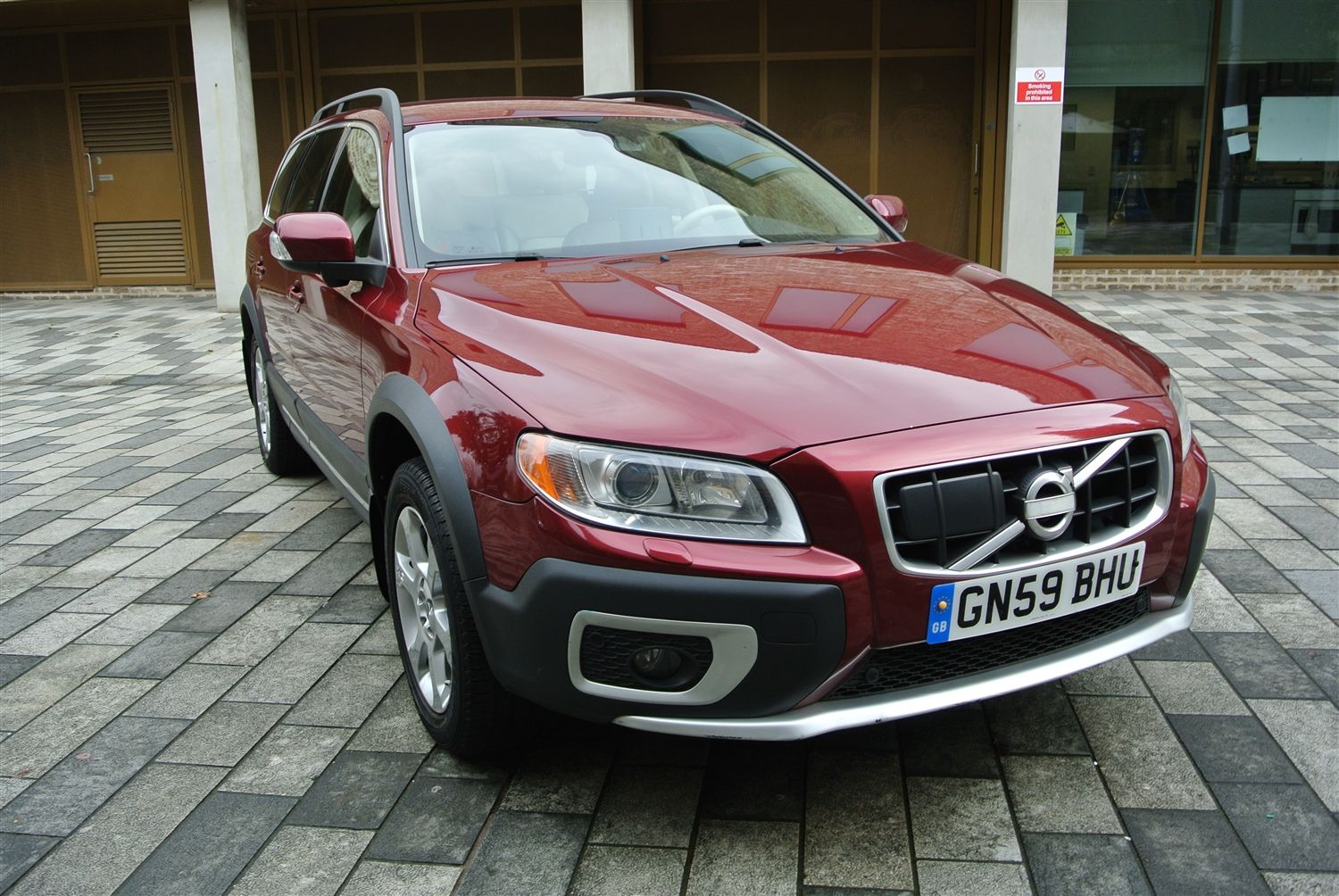 Uk Supplied One Lady Owner Volvo Xc70 In Pristine Condition Comes With A Full Volvo Service History Full Spec Car Leather Interi Cars For Sale Volvo Car Dealer