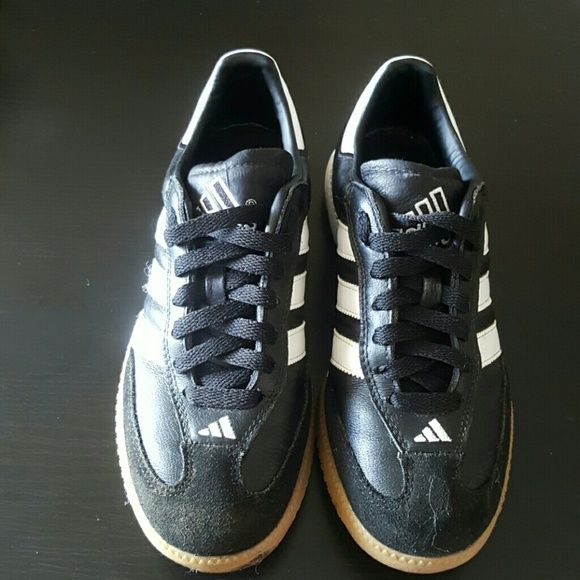 36ac63760c94e Leather Adidas Sabas