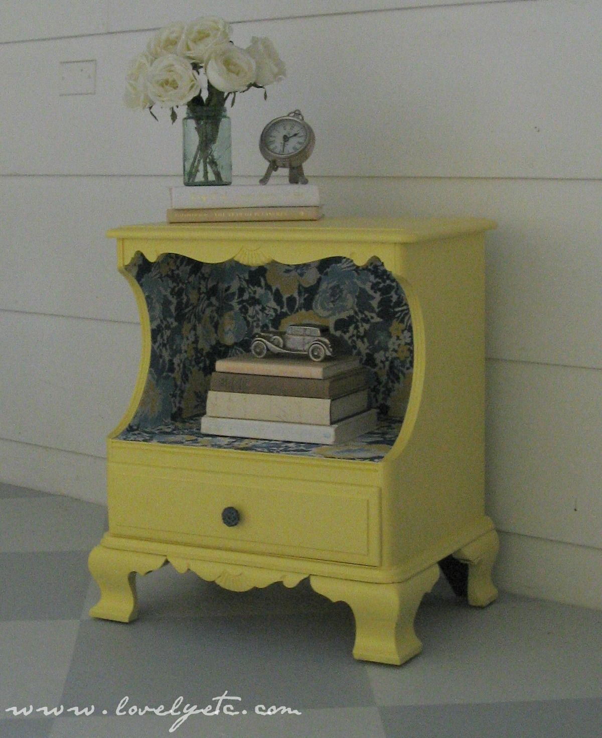 Best 25+ Refinished nightstand ideas on Pinterest : Refurbished night stand, Behr home depot and ...