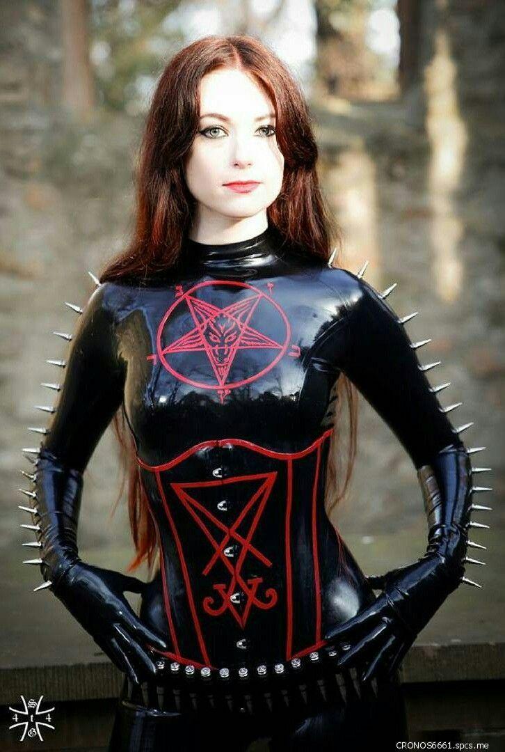 Pin on Gothic and dark girls.