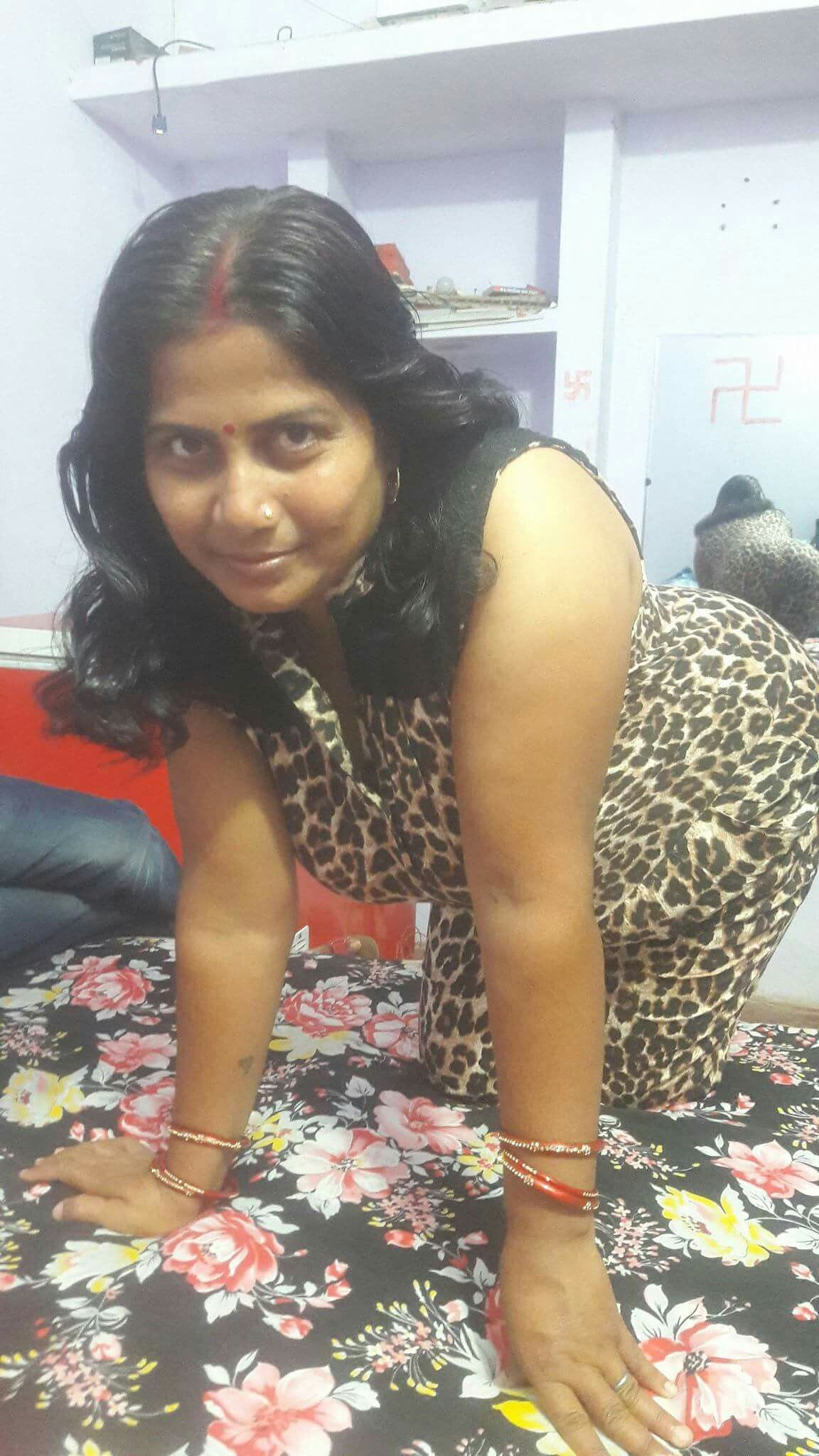 real Indian photos aunty