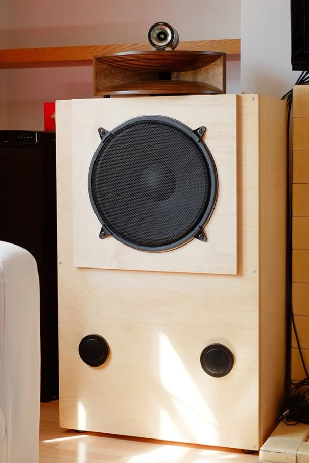 3-way high-efficiency horn speaker system by marco gea