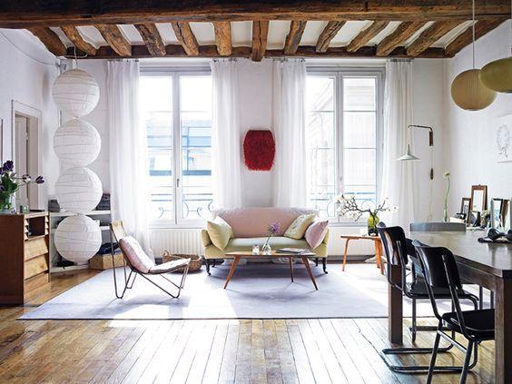 Soffitti In Legno Design : Travi in legno a vista per una casa con il soffitto che arreda