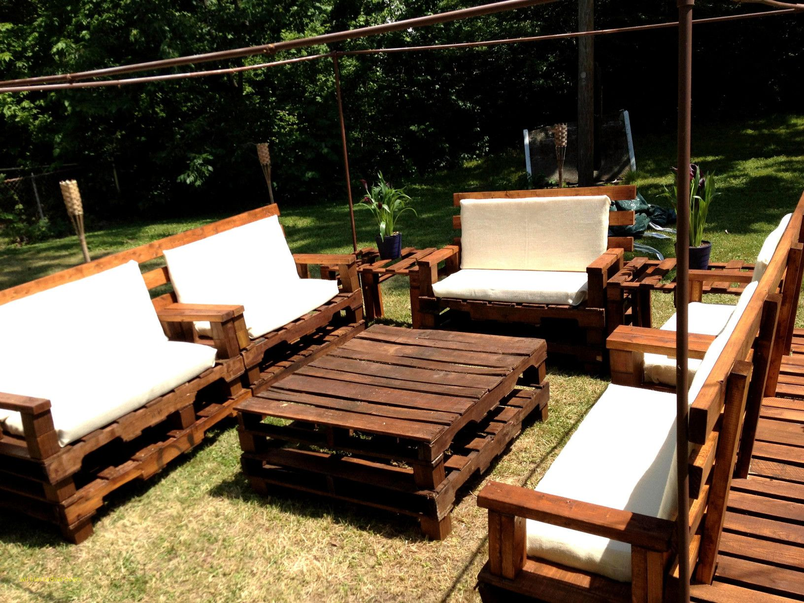 Unique And Awesome Pallet Garden Furniture Pallet Patio