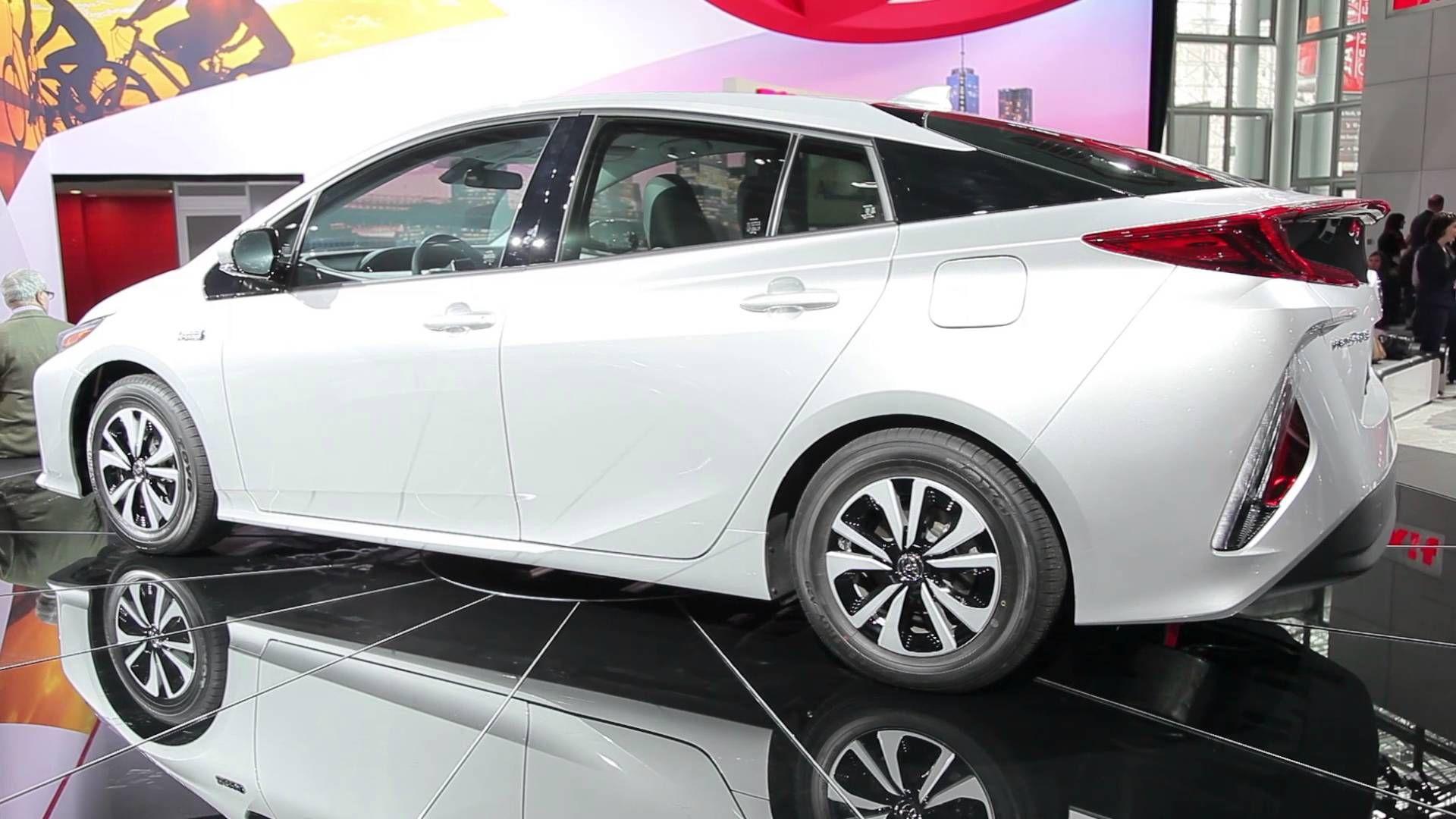 2017 Toyota Prius Prime Video Preview 1 48 Mins