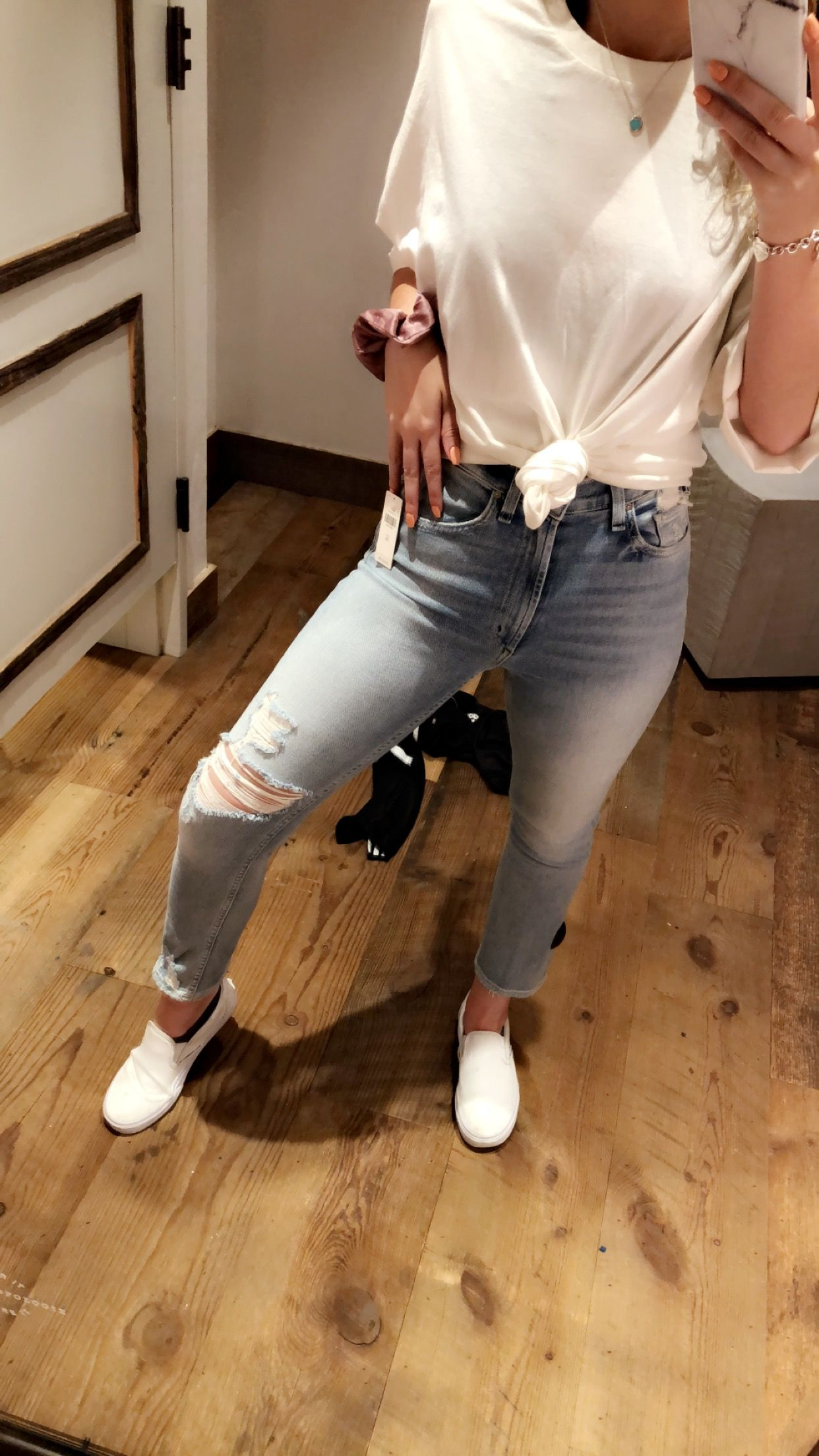 outfits with white vans