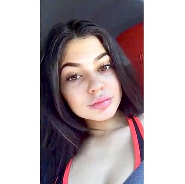 Kylie Jenner Opts For No Makeup On Date With Tyga Kardashian Kylie Jenner Kylie Jenner Selfies Kylie