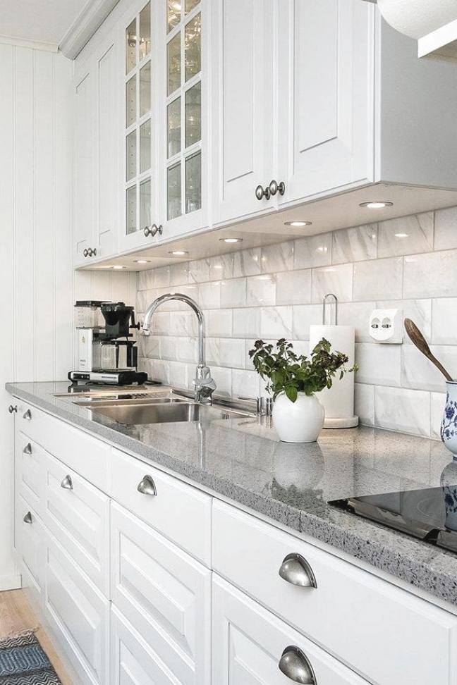 28  elegante wei  e K  che Design-Ideen f  r modernes Zuhause   #design #elegante #ideen #kitchen #kitchencabinet #kitchendecoration #kuche #k  chedeko #k  chefliesen #k  chestauraum #kueche #modernes #storageroom #zuhause