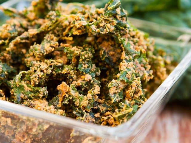 Spicy Raw Vegan Kale Chips