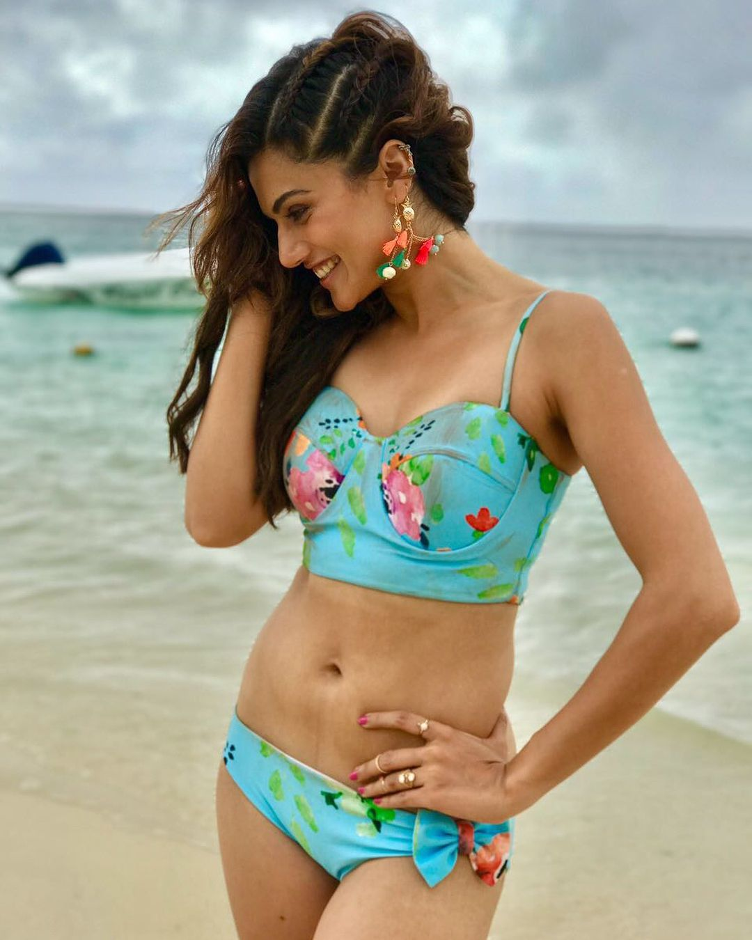 taapsee pannu hot bikini stills from judwaa 2. | bikinis
