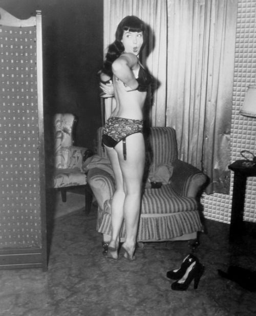 bette page lingerie bettie page betty pinup pin up. Black Bedroom Furniture Sets. Home Design Ideas