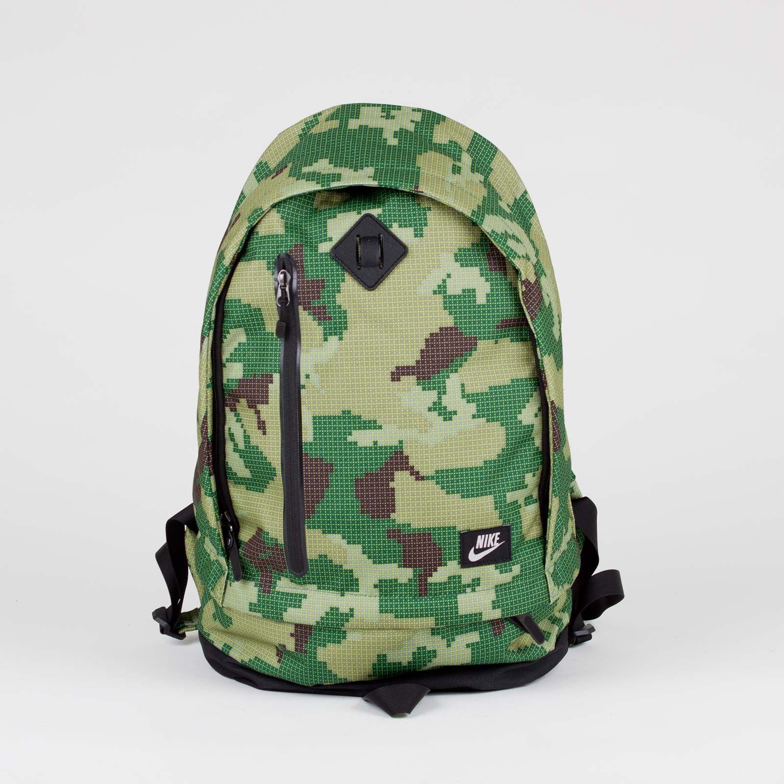okay but it's camo tho Nike Cheyenne 2000 Classic Backpack