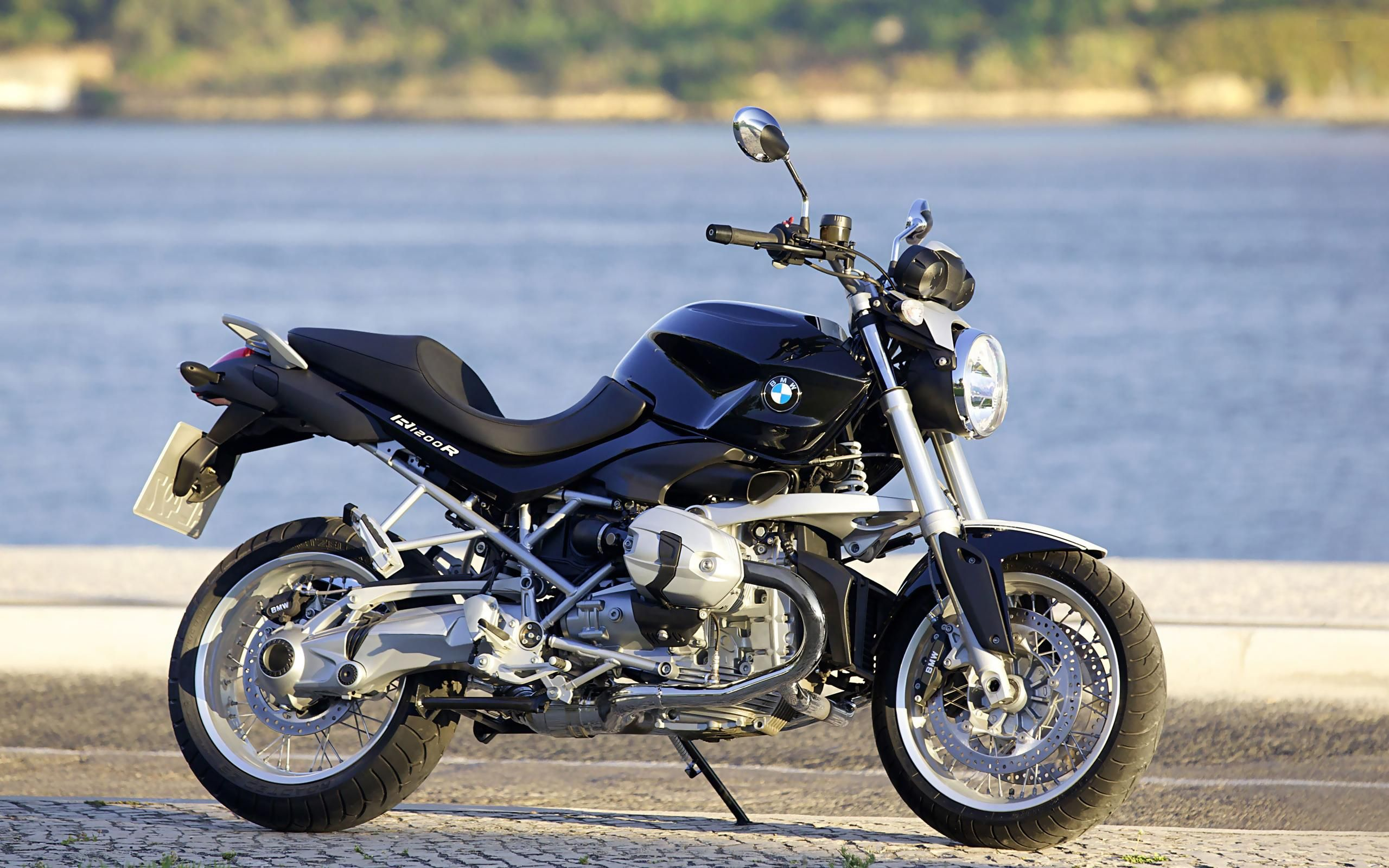 2012 bmw r1200r classic check out these bimmers http