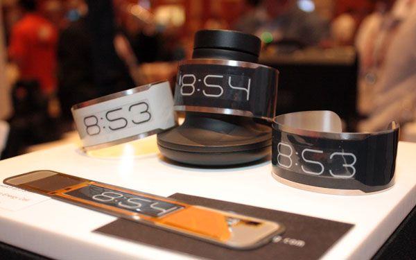 #CST-01: #e-Ink ha presentato al #CES2013, la seconda generazione dei propri schermi a colori basati su inchiostro elettronico e display flessibili.
