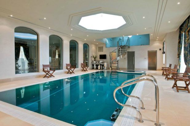 The Master Pools Guild Presents 20 Fabulous Residential Indoor Pools Indoor Pool Design Indoor Pool Residential Pool
