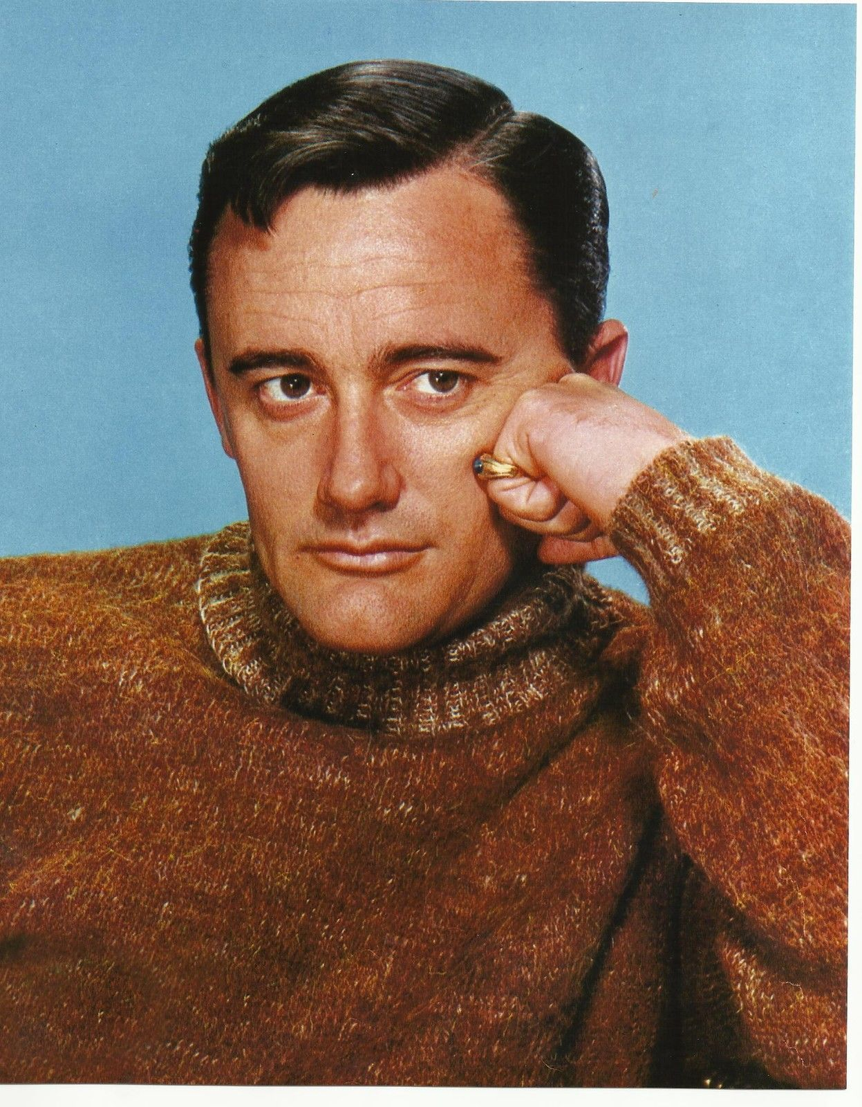 Man from U N C L E Robert Vaughn as Napoleon Solo in Brown Sweater 8 x 10 Photo | eBay