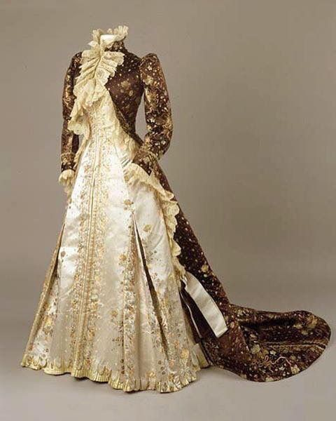 Tea Gown, House Of Worth Ca. 1890-1895 Currently At The