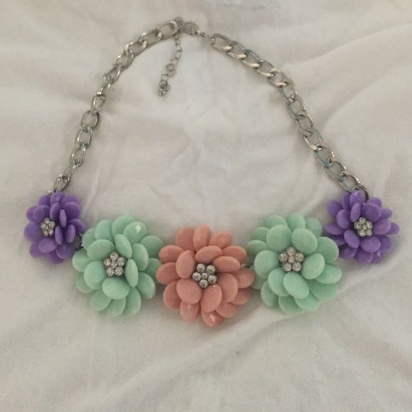 Floral Necklace Cute floral statement necklace in purple, pink, mint. (Will sell for free with any purchase from my closet worth $15) Jewelry Necklaces