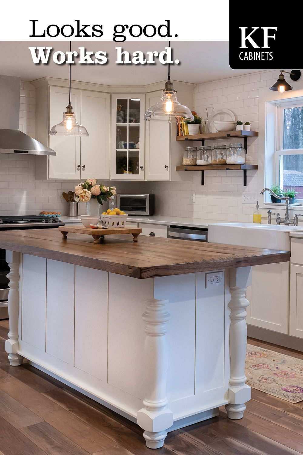 Looks Good Works Hard In 2020 Kitchen Design Small Kitchen Design Quality Kitchen Cabinets