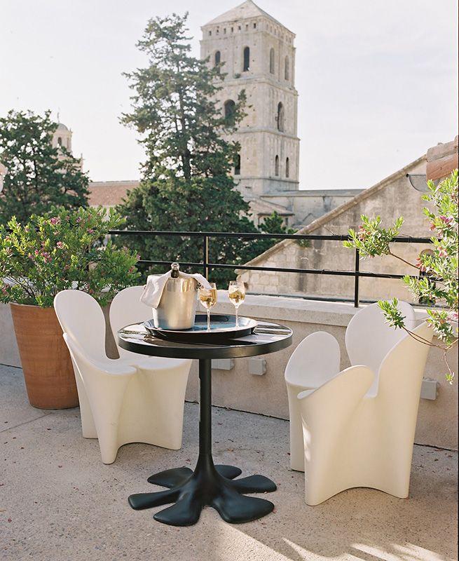 Hôtel Du Cloître Hotel Provence Dining Table