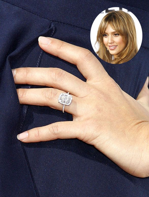 Jessica Alba S Sparkly Engagement Ring From Husband Cash Warren
