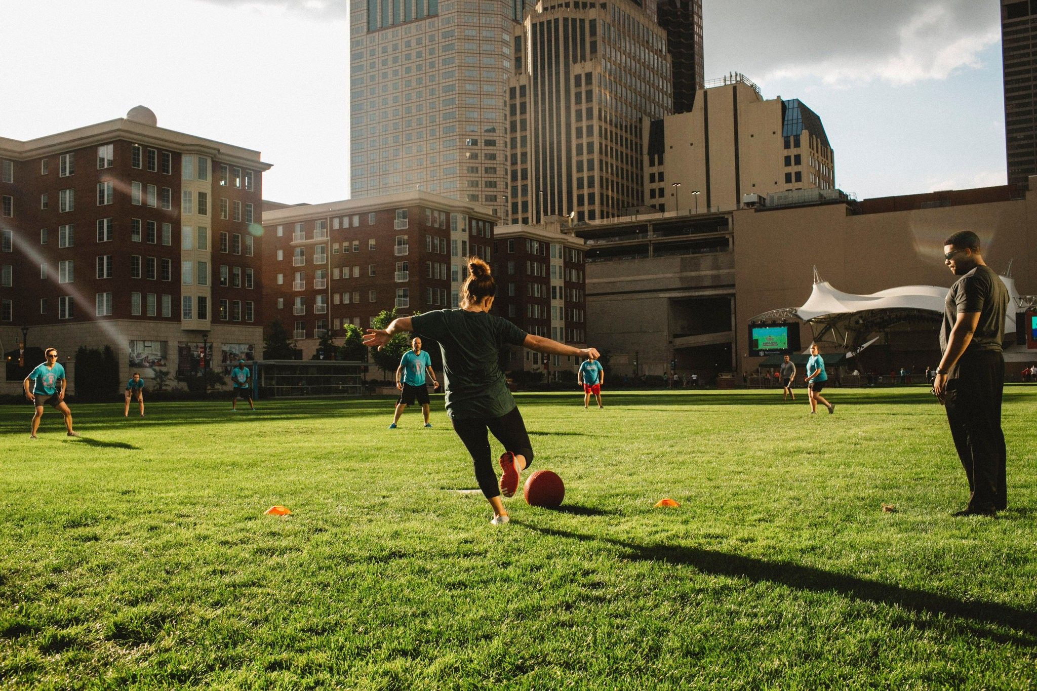 Open Spaces Bring Light to Downtown Columbus (With images