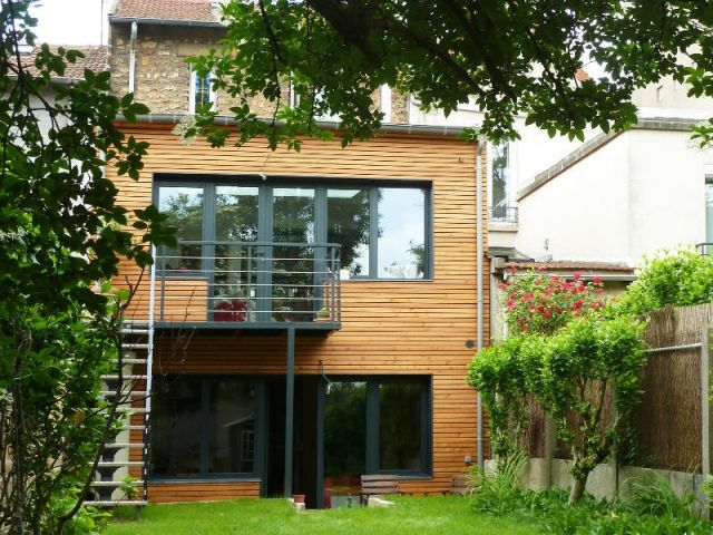 avant apr s une maison citadine retrouve du cachet gr ce une extension en bois dom kostka. Black Bedroom Furniture Sets. Home Design Ideas