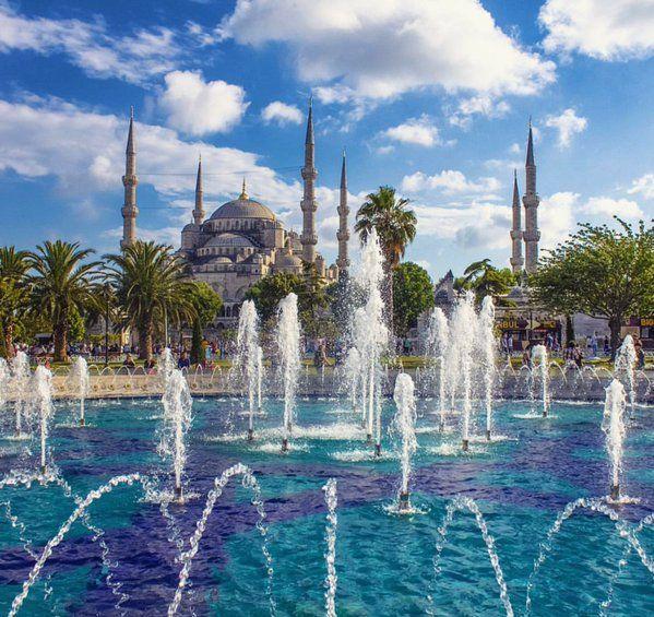 La mosquée bleue avec ses 6 minarets architecte Mustafa Aga #Istanbul #Turquie par  Mehmet Kıvanc