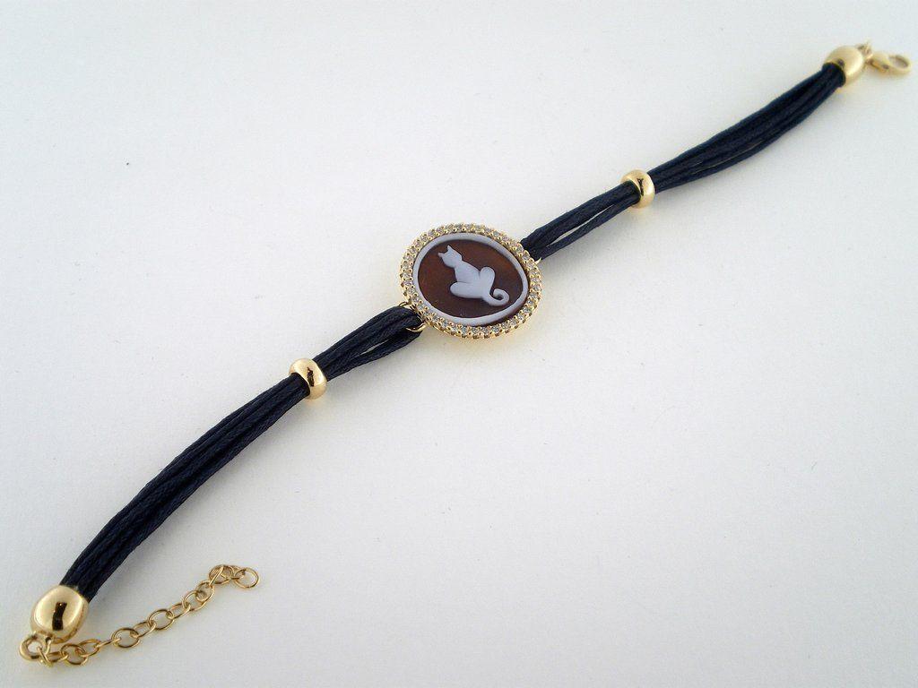 Cat cameo bracelet set in sterling silver gold plated.  #cat #cameo #bracelet #donadiojewelry #cameobracelet