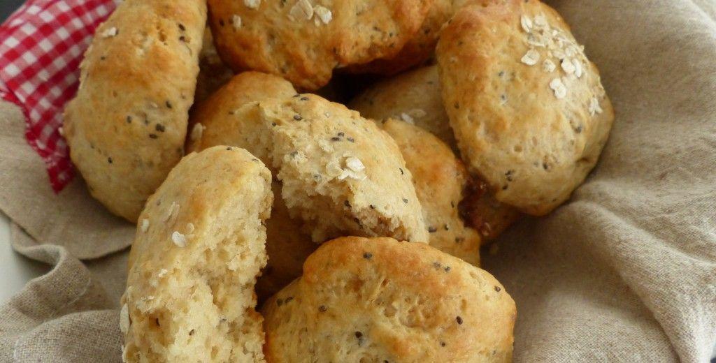 Dinkelweckchen mit Chia-Samen – Mum is cooking